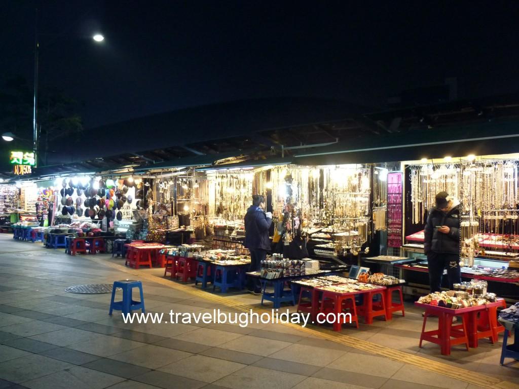 Stalls outside of shopping complex, Dongdaemun, Seoul, Korea
